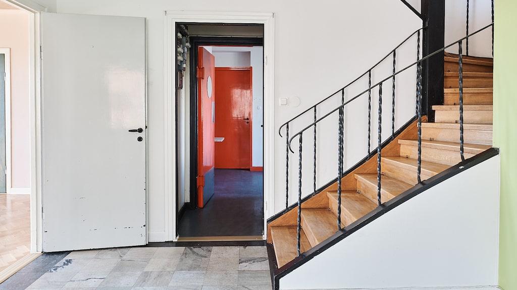 Två av fyra våningar är i souterräng.