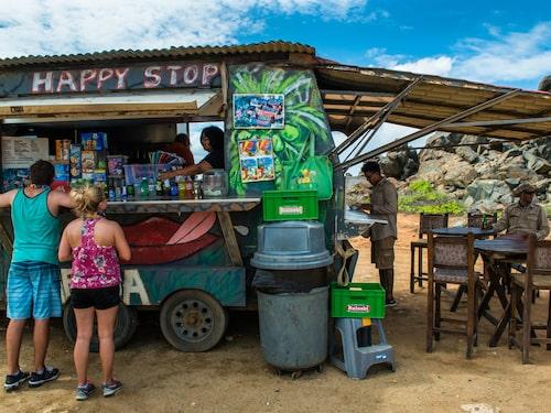Det finns gott om foodtrucks och små enkla matställen på Aruba.