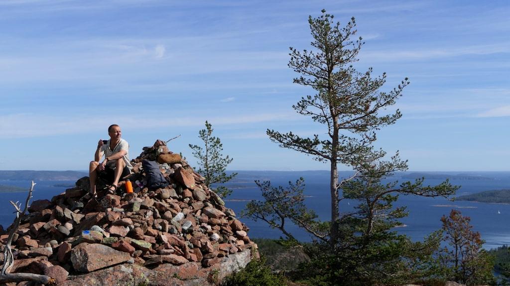 Toppen av Mjältön bjuder på en panoramavy över världsarvet.
