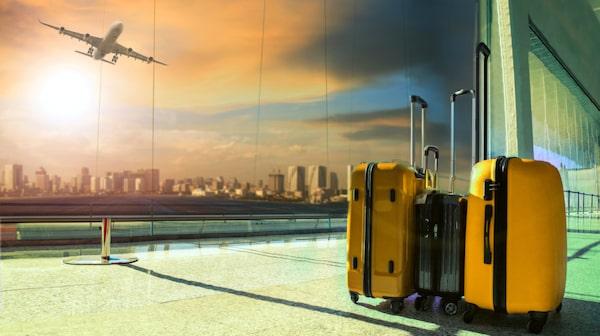 Numera är det inte bara lågprisbolagen som tar ut en avgift för incheckat bagage.