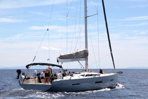 I en vecka kommer segelbåten att vara vårt hem. I sju dygn ska vi – tio passagerare, en kapten och två värdar – kryssa i Kroatien.