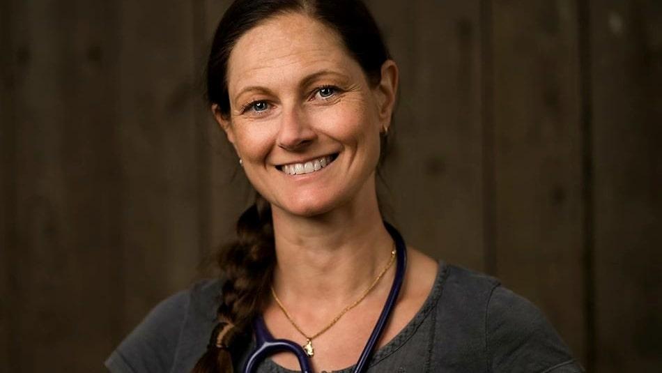 Veterinären Jenny Garland är kritisk till musgiftet som skadat många katter.