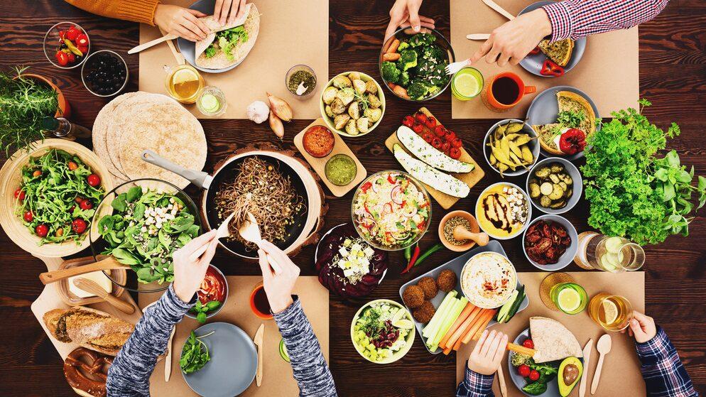 Är det dåligt för kroppen att äta veganskt när man växer?