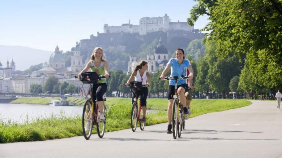 Satsa på en cykelresa i Österrike.