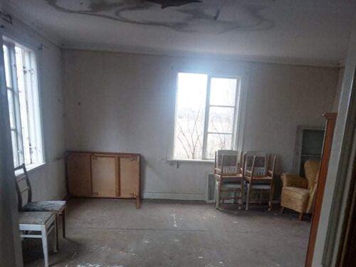 Huset har fyra rum och är på 130 kvadratmeter.