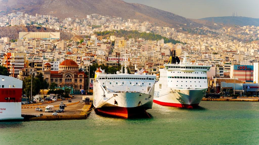 Den grekiska hamnstaden Pireus kommer att vara utgångspunkt för färjetrafiken till Cypern.