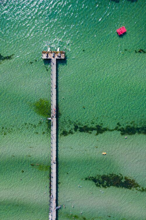 Den 190 meter långa bryggan vid Rydebäck Strand.