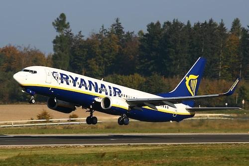Ryanair ber om ursäkt till de kunder som drabbats i ett pressmeddelande.