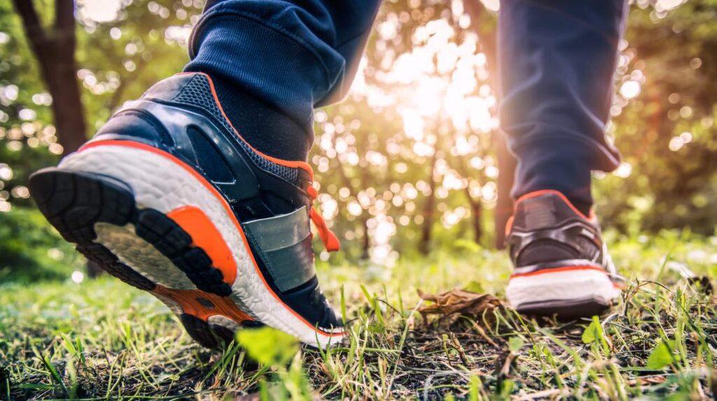Att motionera ökar blodtillförseln till benen.