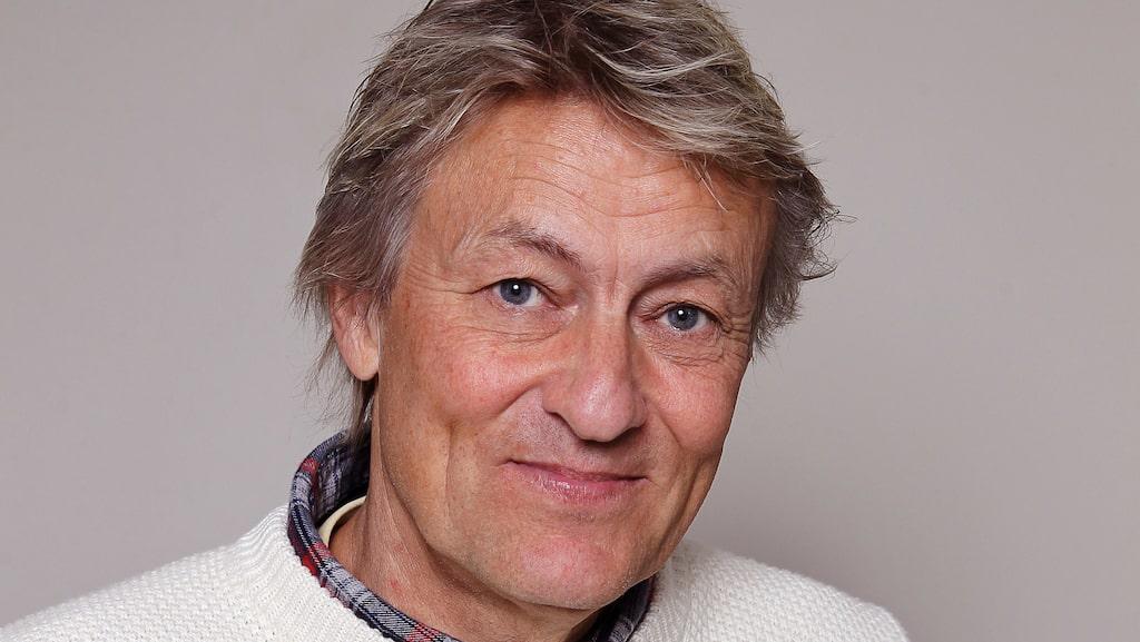 Konstnären, författaren och tv-profilen Lars Lerin, 63, har ett hus med fantastiskt läge på Orust i Bohuslän som han nu säljer för mångmiljonbelopp.