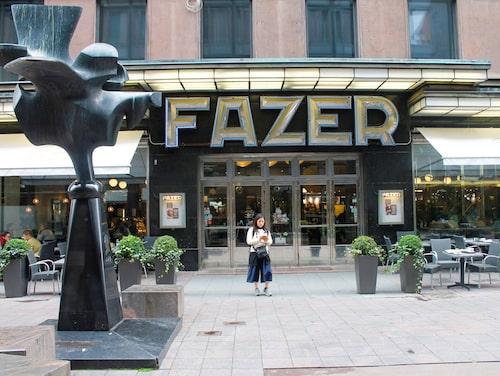 Entrén till den första Café Fazer-butiken.