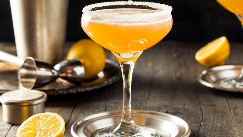 En klassisk sidecar består av cointreau, citron och konjak.