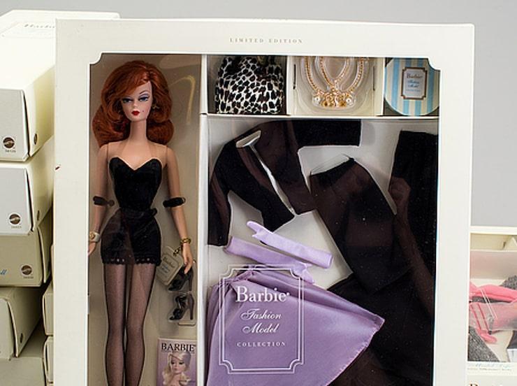 Fashion Model collection, 12 Barbiedockor i originalkartonger. Samtliga, inklusive den på bilden, såldes för 7400 kronor. Dockorna är från 1900- och 2000-talen.