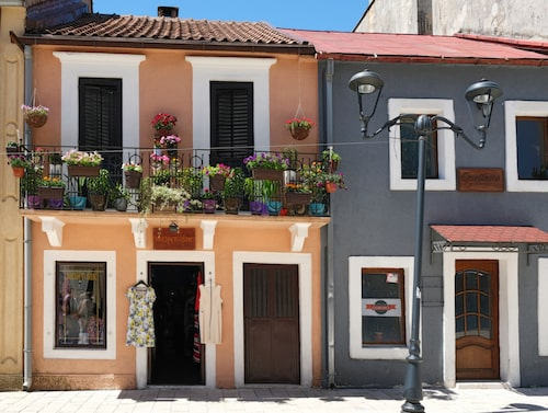 Gata i Cetinje, den historiska huvudstaden.
