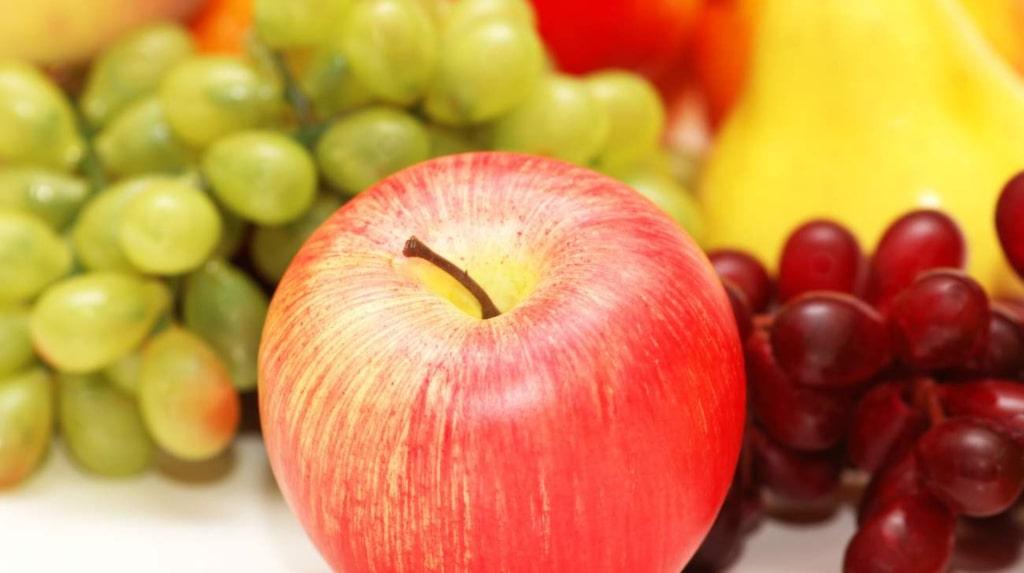 <p>Välj äpple före banan eller vindruvor. </p>