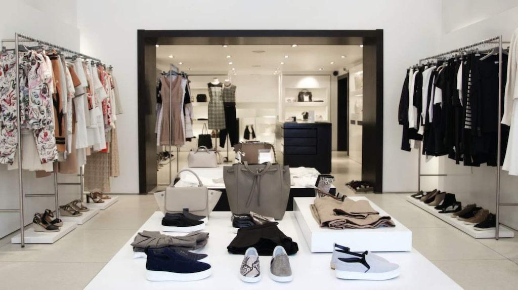 <p>Fina och lyxiga designerkläder hos Nathalie Schuterman.</p>