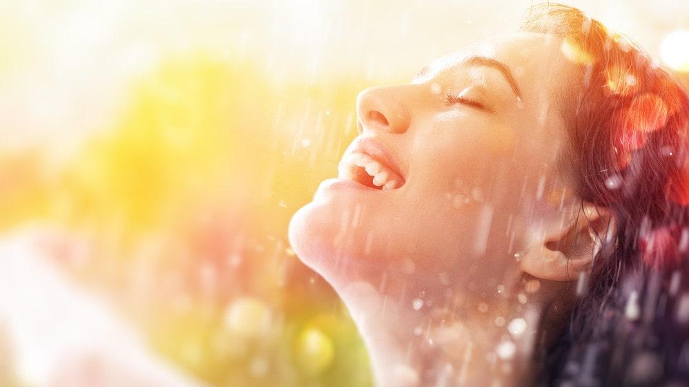Sommarlivet innebär inte alltid att man har rinnande vatten som är anslutet till ett reningsverk. Då känns det rätt att använda duschkrämer som är så snälla som möjligt för hälsan och miljön.