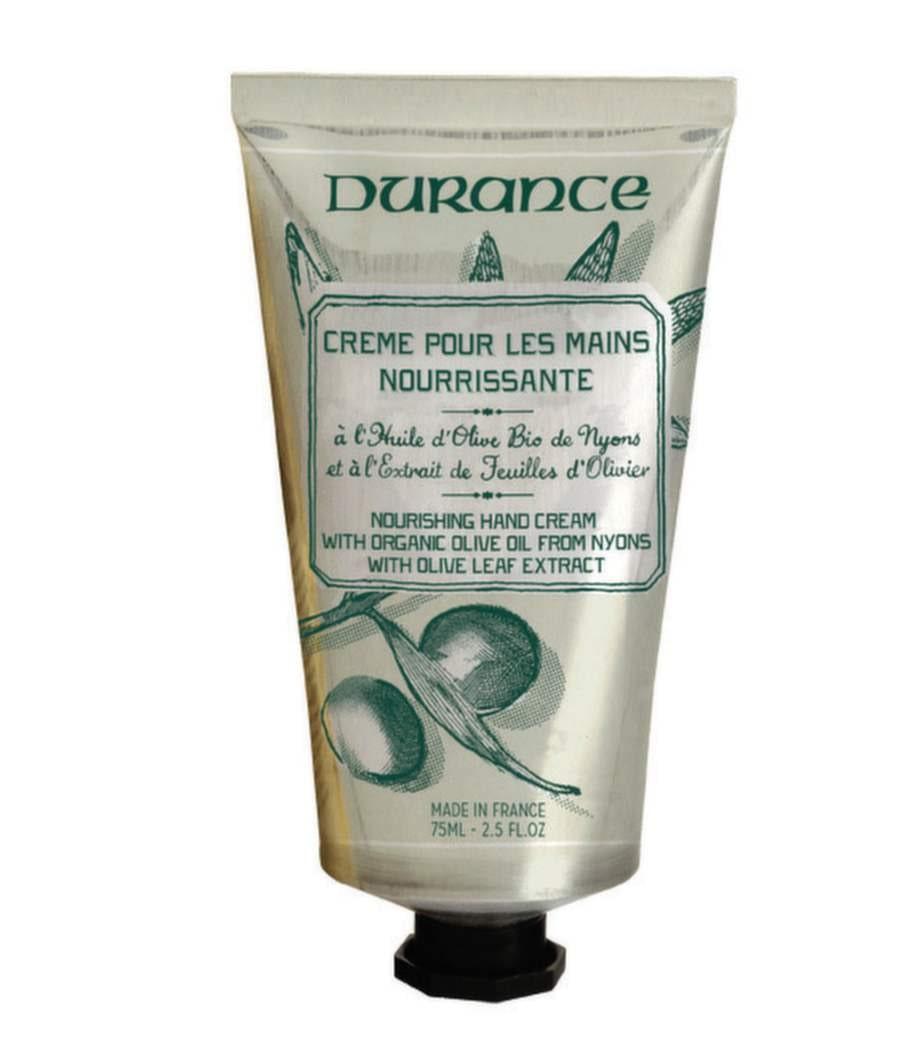 <strong>40 år – huden blir tunnare</strong><br>Handkräm med välgörande växtextrakt och dofter från Provence. Med extra vårdande ekologisk olivolja från Nyons, som skördas lokalt, ger olivoljan mjukhet och näring till torr hud.<br>Olive handkräm, Durance<br>139 kronor, olja-oliv.se