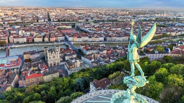 Även med franska mått mätt är Lyon en matgalen stad