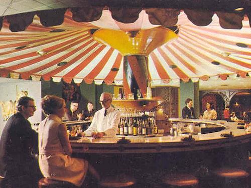 Ett fångat ögonblick i baren på Hotel Monteleone, på 60-talet.