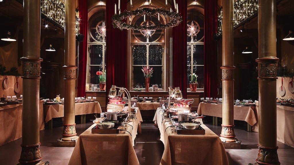 Ät julbord på restaurang i år – vi tipsar om åtta alternativ i Stockholm.