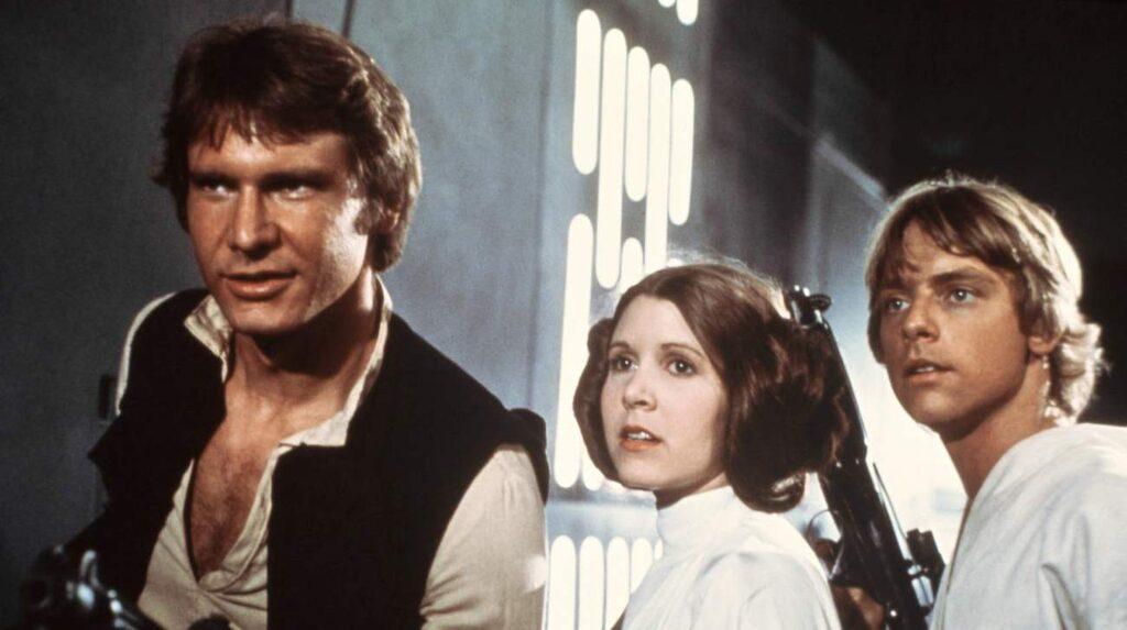<p>Harrison Ford, Carrie Fisher och Mark Hamill gjorde succé i de första Star Wars-filmerna där den första kom 1977.</p>