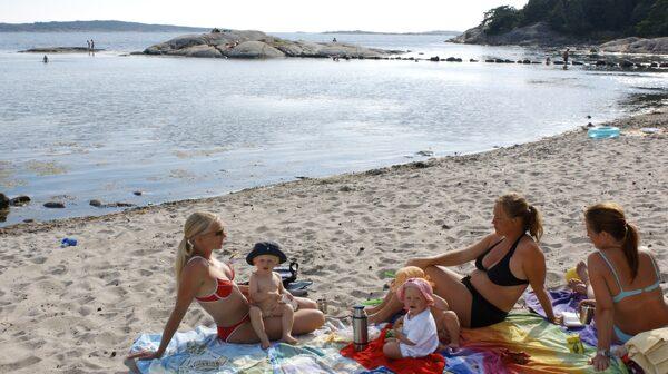 Njut av lugna, salta bad eller en golfrunda på Särö.