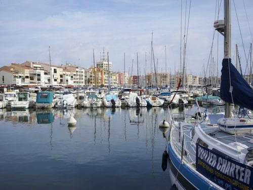 Cap d'Agde har Europas största nakencamping.