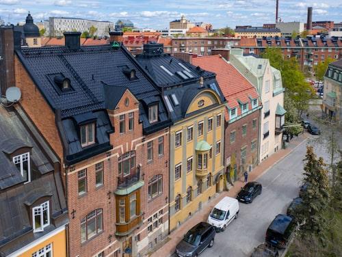 """Townhouset i Lärkstan som nu kan komma att bli den dyraste husförsäljningen i Sverige någonsin, med sina 150 miljoner kronor, köptes 2010 för en betydligt """"mindre"""" summa av 35 miljoner."""