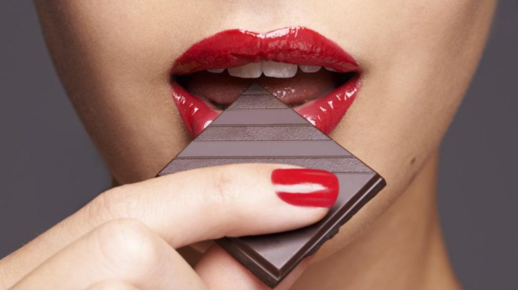 Inte för att du behöver ytterligare än anledning att mumsa på choklad. Men nu vet du!