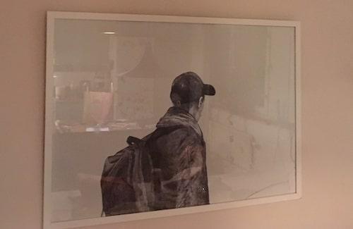 """""""Jag älskar den här tavlan. Den är gjord av min vän Anna Sundvall, hon är så duktig."""""""