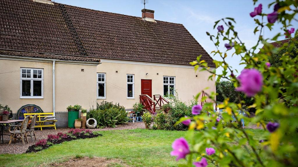 ...eller så minns de kanske att de har besökt huset en gång i tiden, när det var en lanthandel och keramikverkstad här.