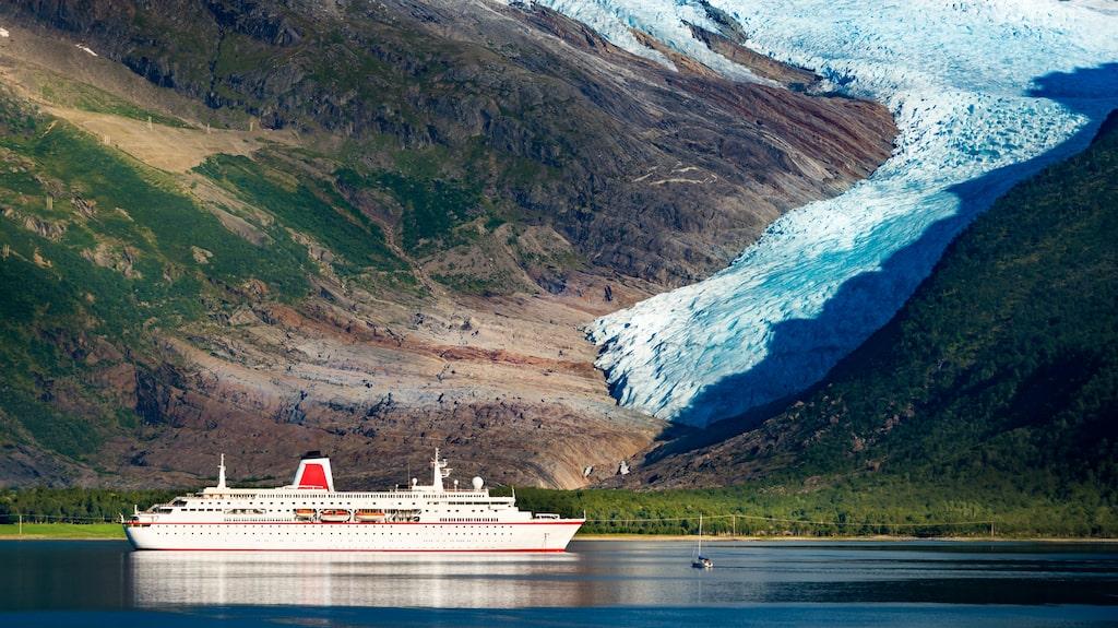 Vestre Svartisen är Norges näst största glaciär efter Jostedalsbreen.