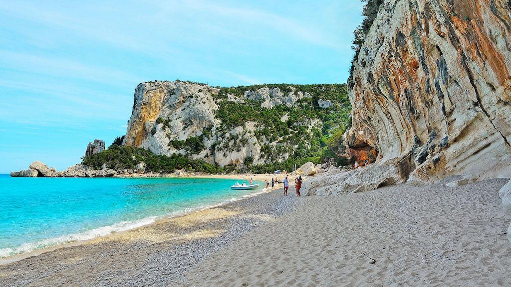 """Cala Luna på Sardinien blev känd efter att delar av filmen """"Swept Away"""" med Madonna spelades in här år 2002."""
