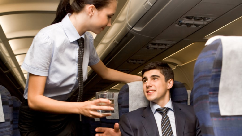 <p>Börja pimpla alkohol så fort du kan – då blir det lättare att prata med grannen.</p>