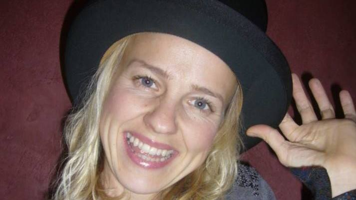 Sömmerskan Sara Hillersberg, 38.