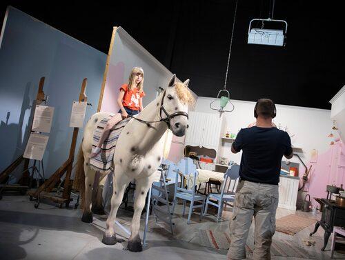 I Filmbyn Småland har inspelningsmiljöerna i Astrid Lindgren-filmerna återskapats.