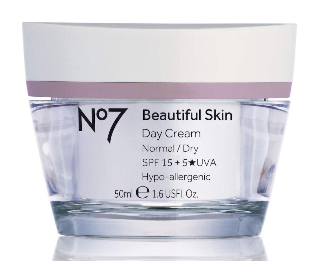 Ansiktskräm Beautiful Skin från No7 som passar normal till torr hy, 169 kronor.