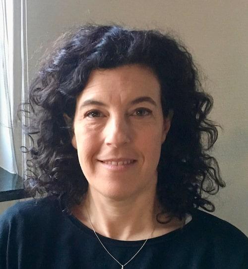 Liv Svirsky är legitimerad psykolog och författare. Hon driver bland annat podden Barnpsykologerna.
