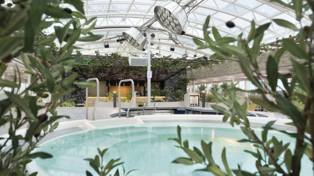 <p>På Terrassen på Birka Cruises kan du bada och sola. <br></p>