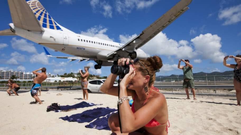 Princess Juliana International, Saint Martin. Landningsbana 10 på denna starkt trafikerade flygplats i Västindien är en av världens mest häpnadsväckande.
