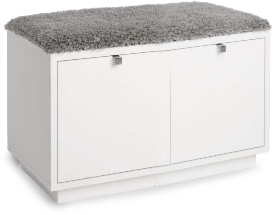 Sittplats och förvaring i ett. Bänk med två lådor och dyna, 70x35x45 centimeter, 1 990 kronor, Svenska hem.