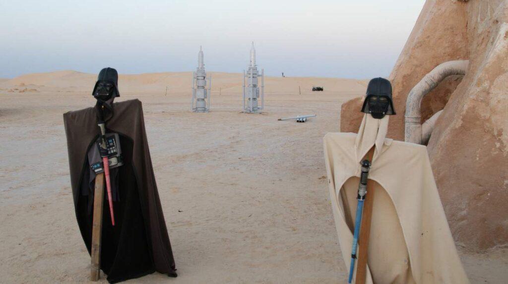 Mitt ute i öknen i Omg Jmel spelades ett par av Star Wars-filmerna in.