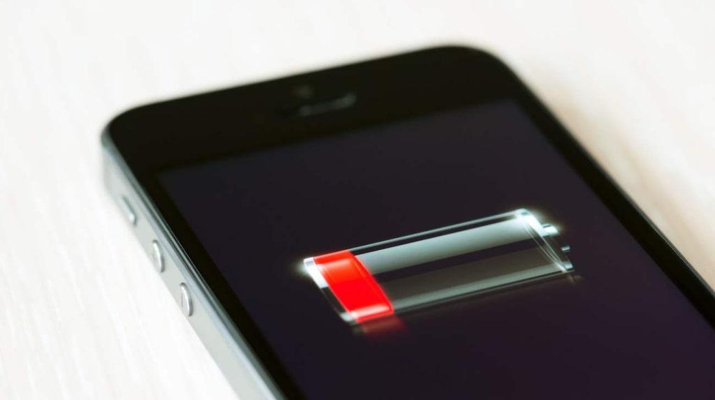 <p>Dåligt med batteri. Ingen rolig syn när man är på väg ut och inte har möjlighet att ladda telefonen. Men det finns sätt att få batteriet att hålla lite längre.<br></p>