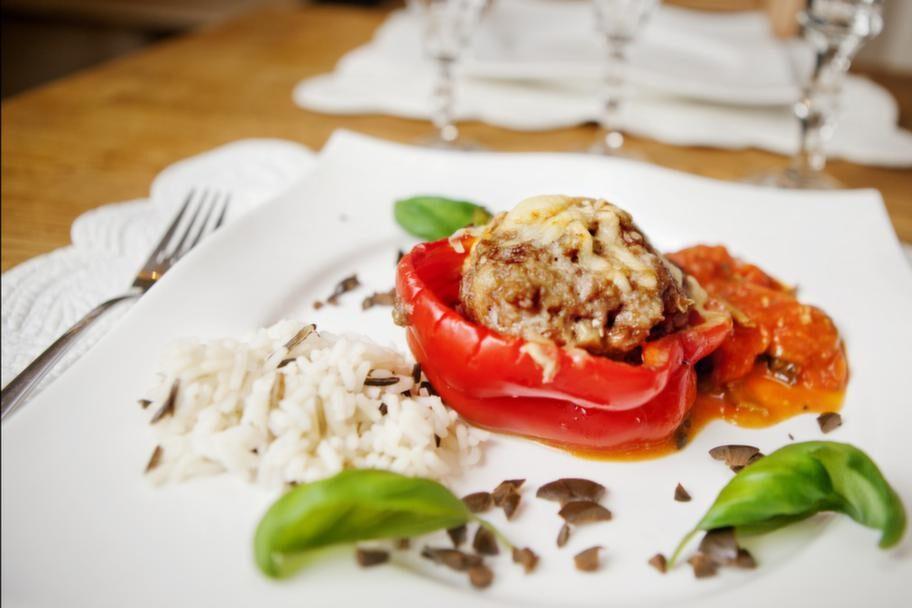 Paprika (gul&amp;röd)<br>Serveringstips: Ha i sallad, eller fyll en paprika med fyllning och stoppa i ugnen eller ha i gryta.