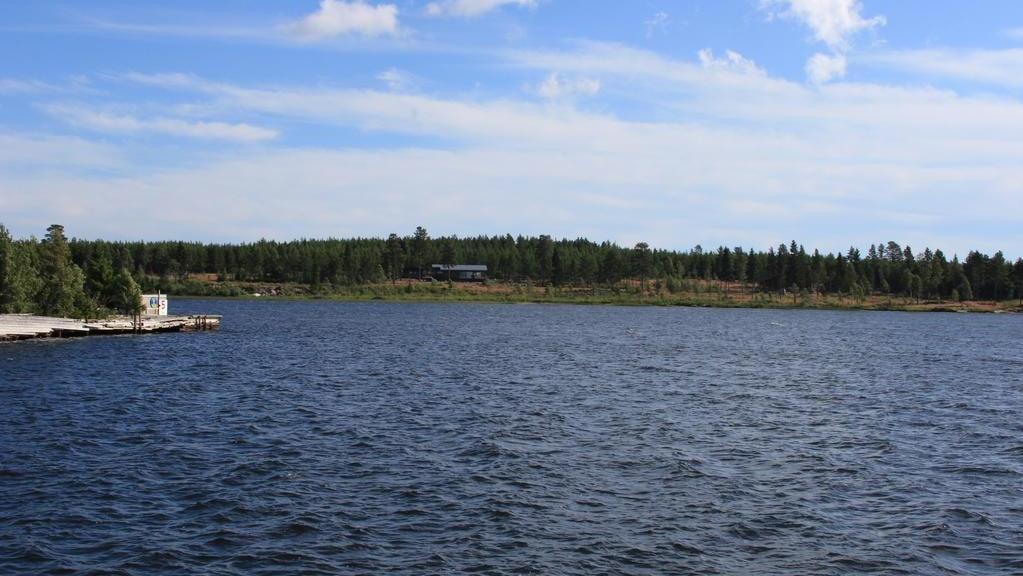Området heter MåBraByn och är en ekoby med kreativa lösningar för avlopp och energi. Av åtta tomter finns nu tre kvar till försäljning.