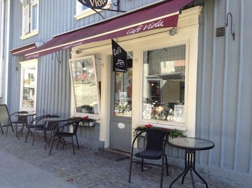 Café Viola.