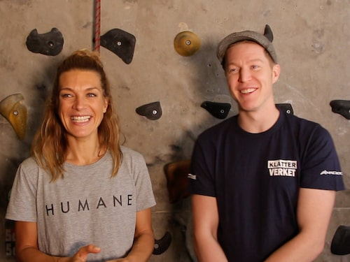 Erika Kits Gölevik tillsammans med klättringsinstruktör Martin Leidebrant.