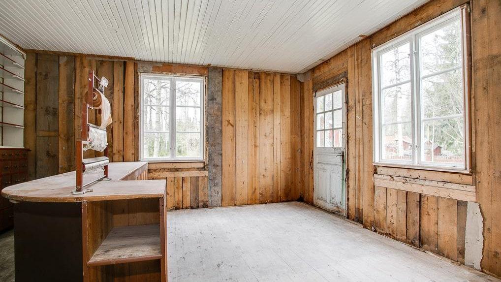 Utöver lanthandeln finns det ytterligare tio rum på 240 kvadratmeter.