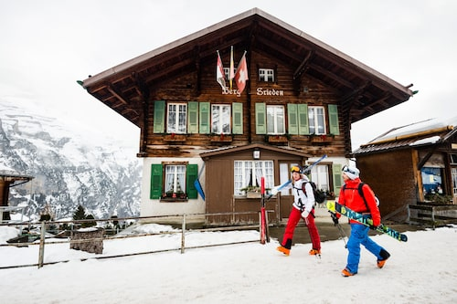 Mürren är en av Alpernas mest pittoreska byar med rustika byggnader och mysig atmosfär.
